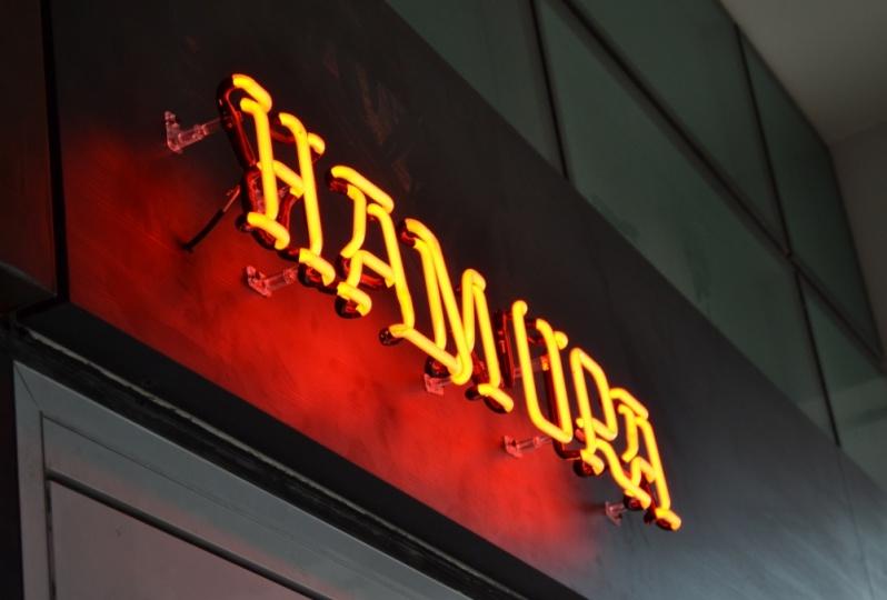 Comprar Letreiro em Neon para Loja Copacabana - Letreiro em MDF para Recepção