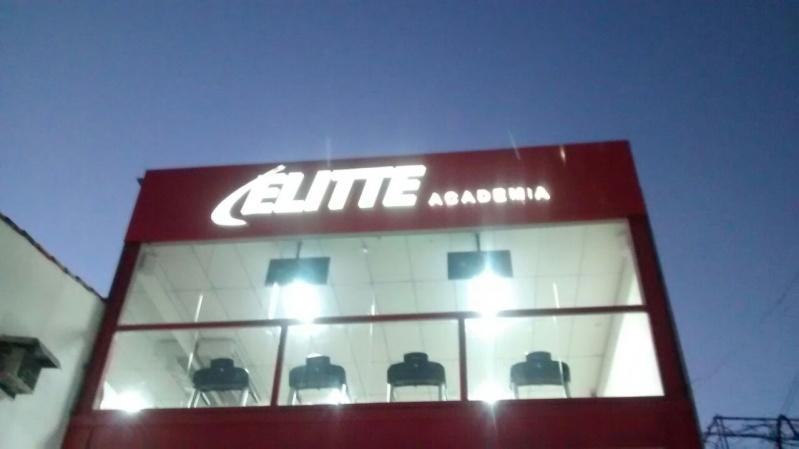Fachadas Comerciais em Acm Botafogo - Fachada Personalizada com Acm