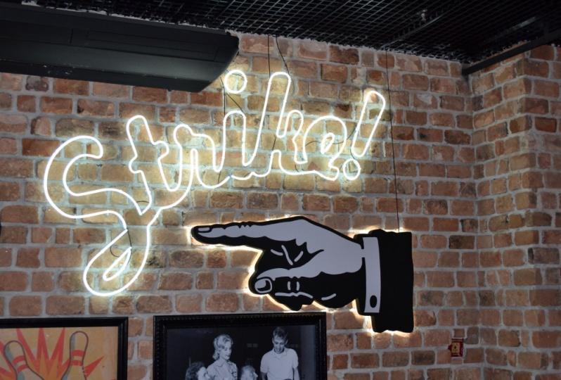 Letreiros em Neon para Lojas Laranjeiras - Letreiros para Fachadas