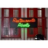 letreiros em neon para fachadas Copacabana