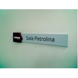 placa de sinalização de loja Leblon
