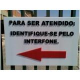 placa de sinalização em acrílico Laranjeiras