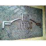 placas com nome do condomínio personalizado Copacabana