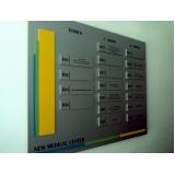 placas de sinalização de loja Leblon