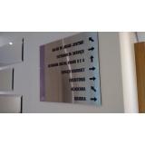 placas para salas comerciais